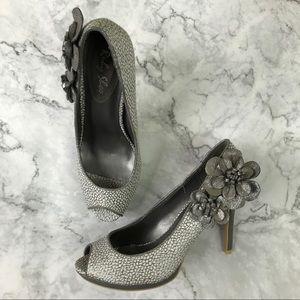 Ruby Shoo metallic Silver flower heels size 8 prom